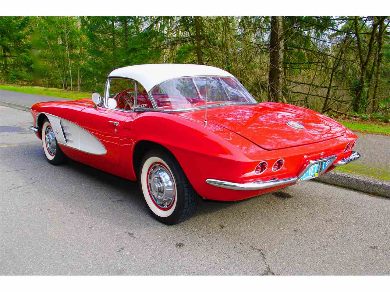 Large Picture of '61 Corvette - N2T4