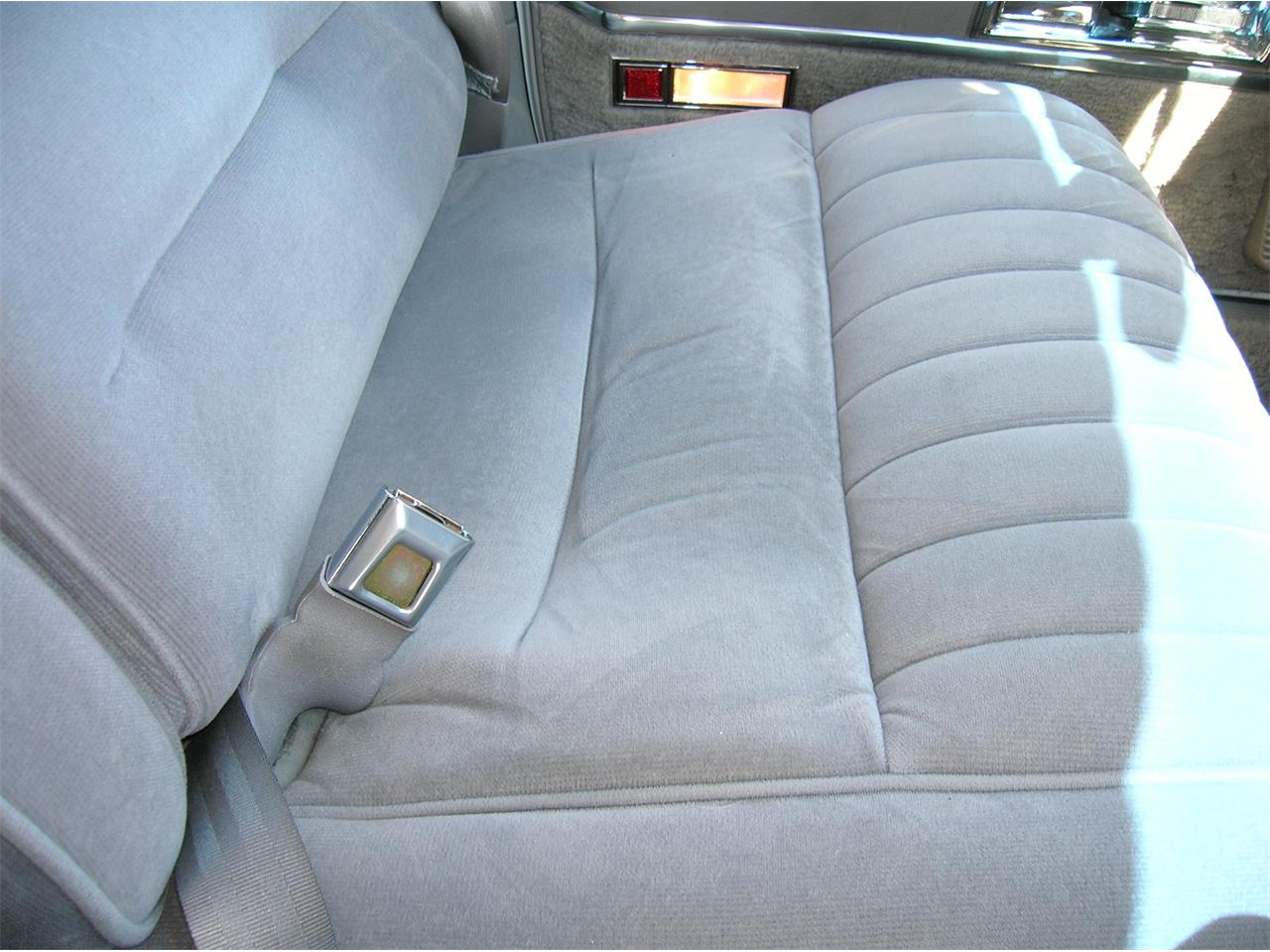 Large Picture of '89 Lincoln Town Car Offered by a Private Seller - N3UE