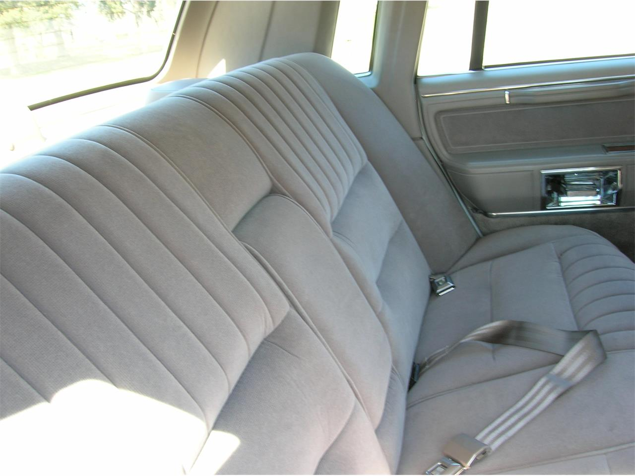 Large Picture of 1989 Lincoln Town Car - $5,845.00 - N3UE