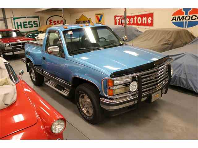 Picture of '93 Chevrolet Silverado Flareside 1/2-Ton Shortbed 4X4 located in Mattituck NEW YORK - $15,995.00 Offered by a Private Seller - N3WK