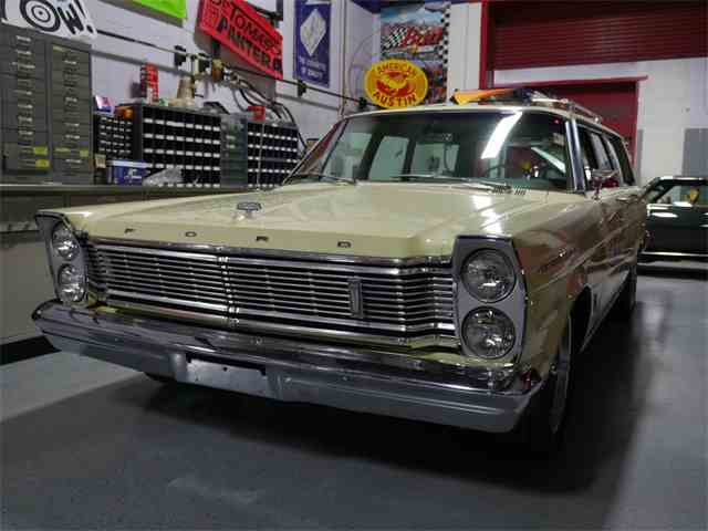 Picture of Classic 1965 Ford Country Sedan 9-passenger Wagon Offered by MotoeXotica Classic Cars - N42A