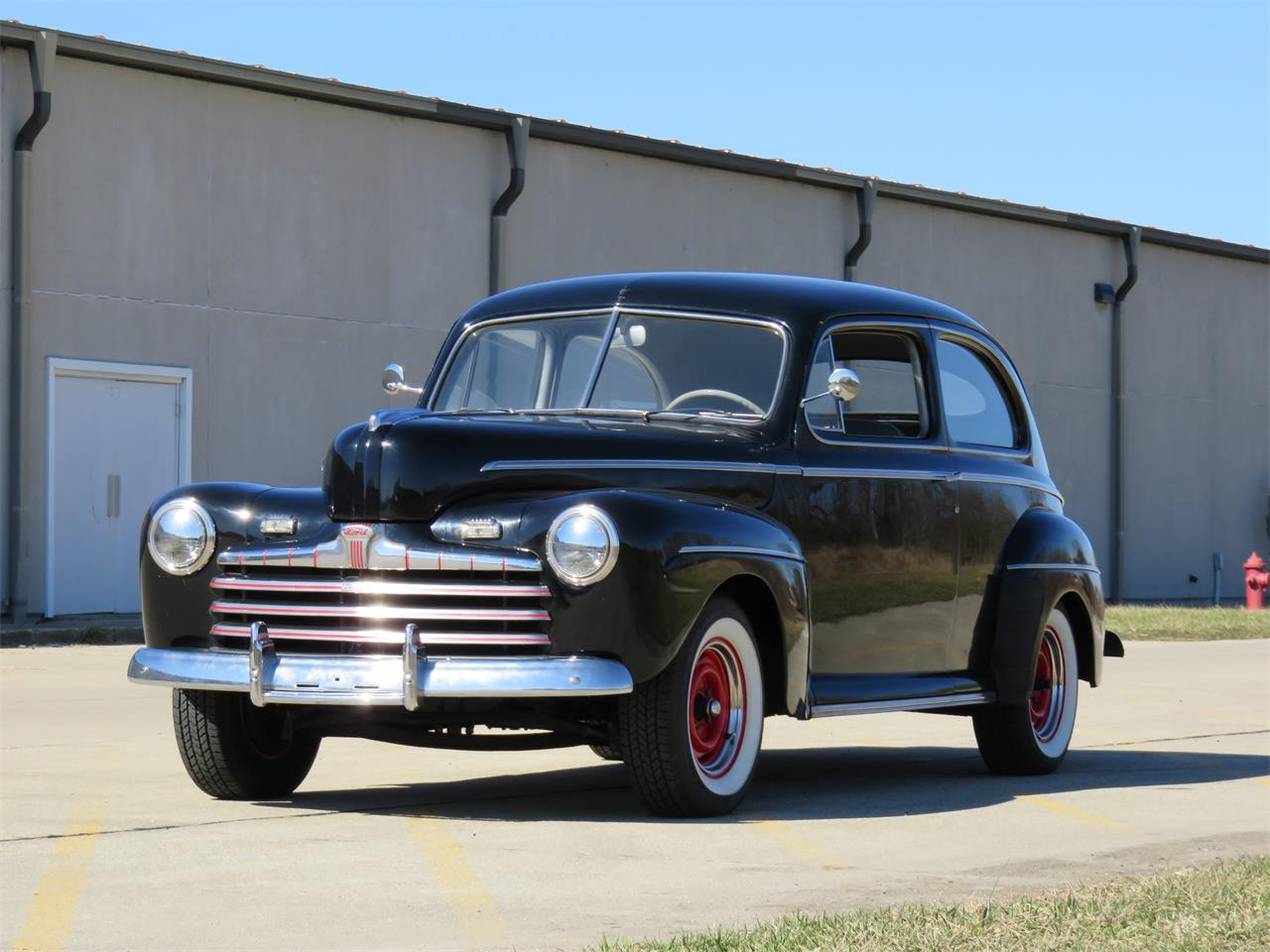 Large Picture of Classic '46 Deluxe located in Kokomo Indiana Auction Vehicle Offered by Earlywine Auctions - MY9Z