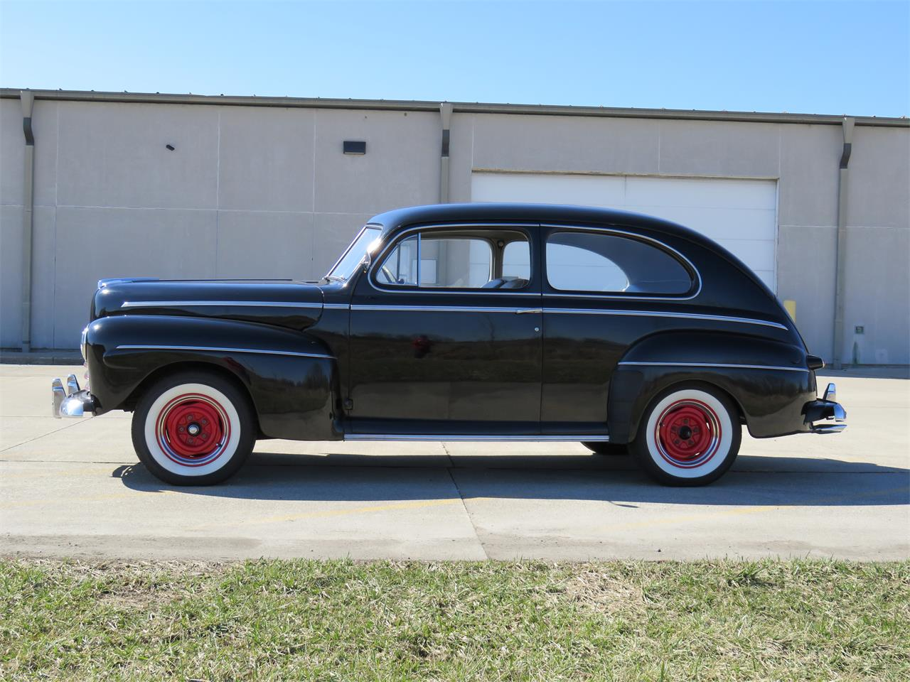 Large Picture of Classic 1946 Deluxe located in Indiana - MY9Z