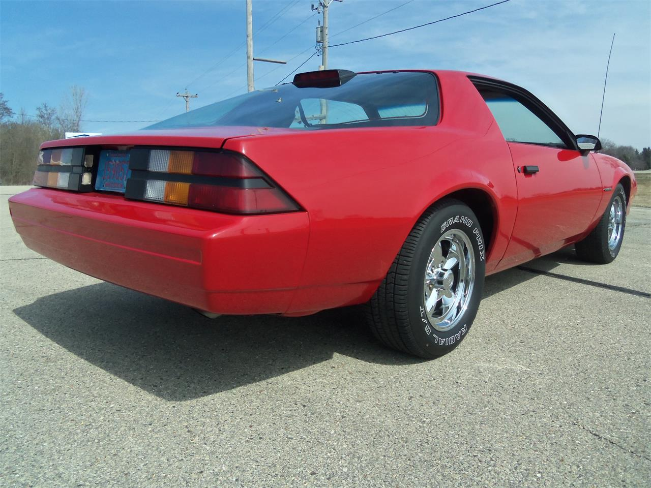 Large Picture of 1987 Camaro located in Wisconsin - N4OS