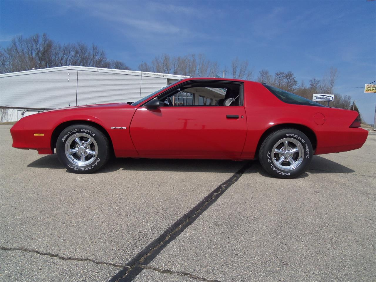 Large Picture of '87 Chevrolet Camaro located in Wisconsin - $7,495.00 Offered by Top Notch Pre-Owned Vehicles - N4OS