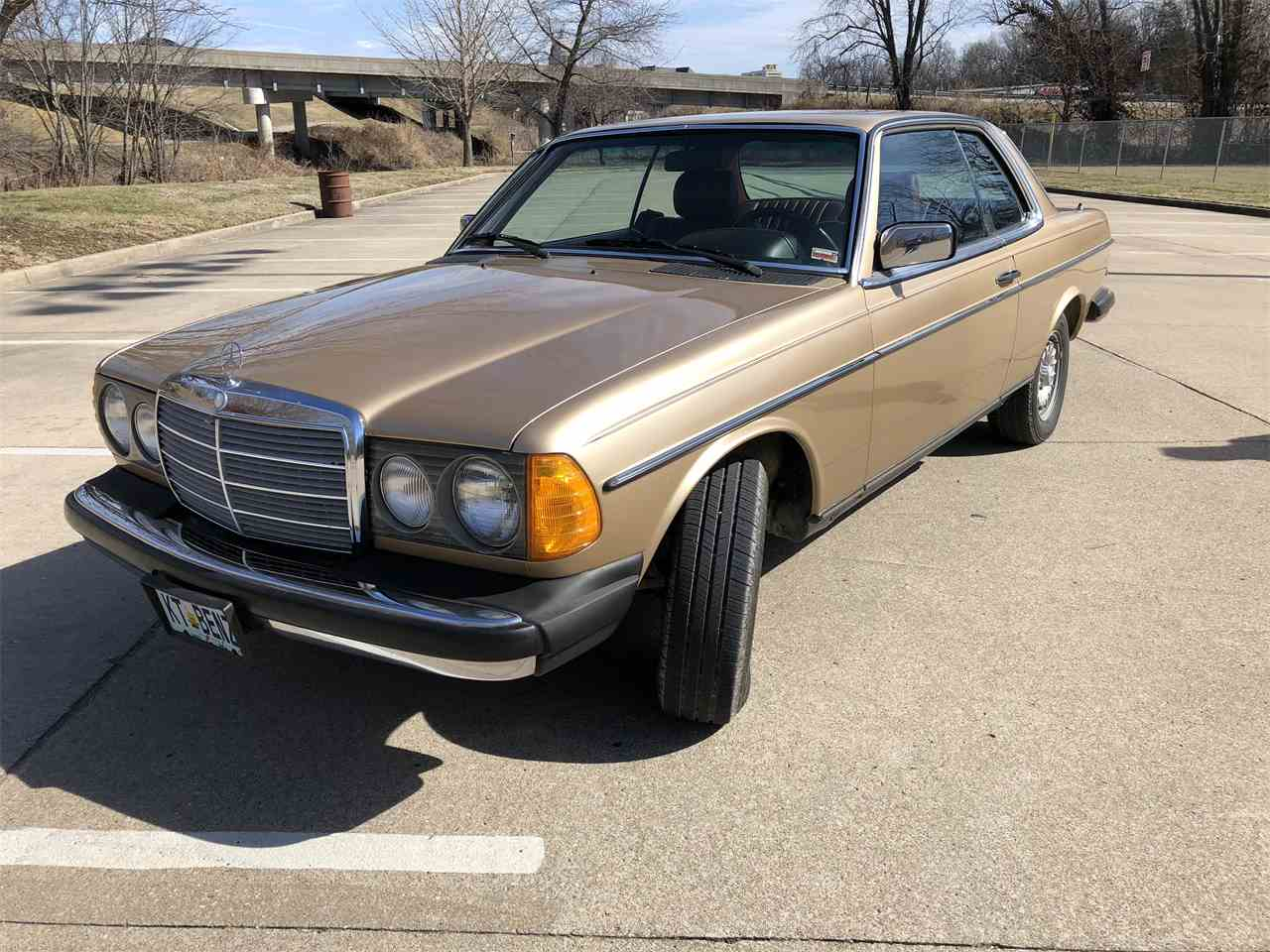 Large Picture of '83 Mercedes-Benz 300CD - $24,500.00 - MYC4