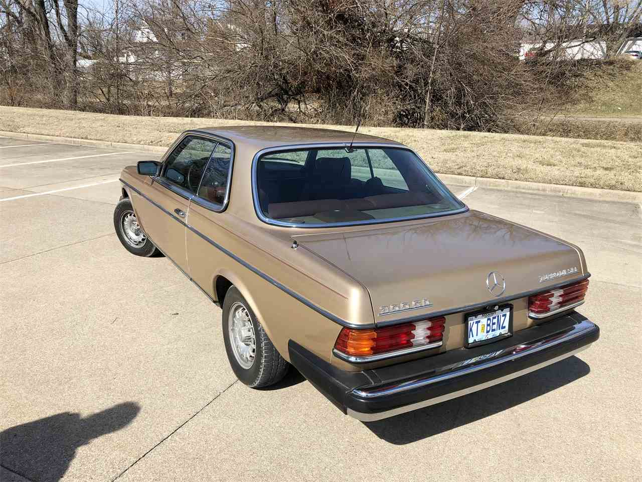 Large Picture of '83 Mercedes-Benz 300CD located in Missouri - MYC4