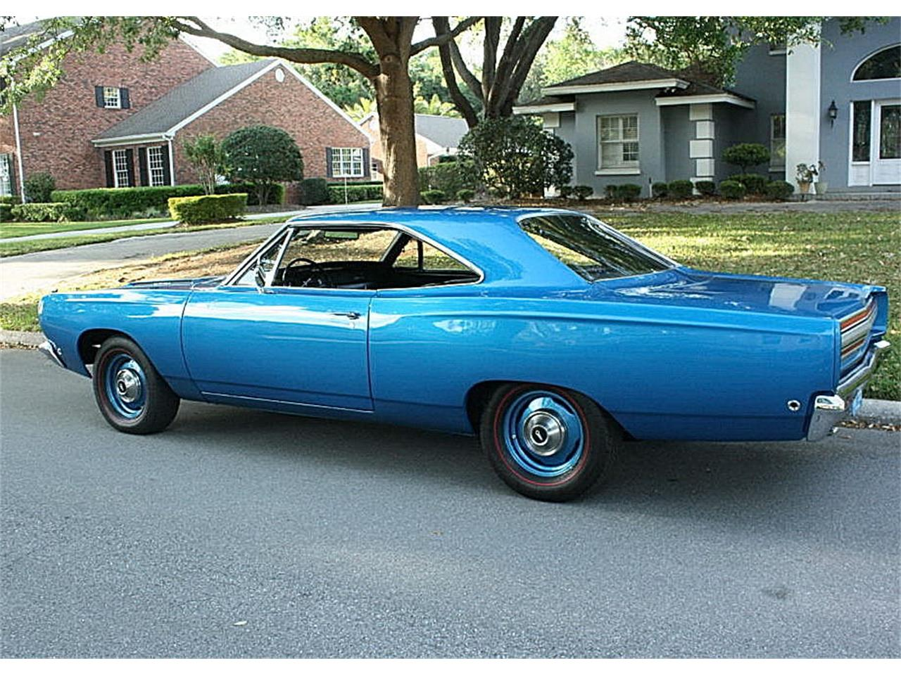Large Picture of Classic 1968 Road Runner located in Florida - N4UW