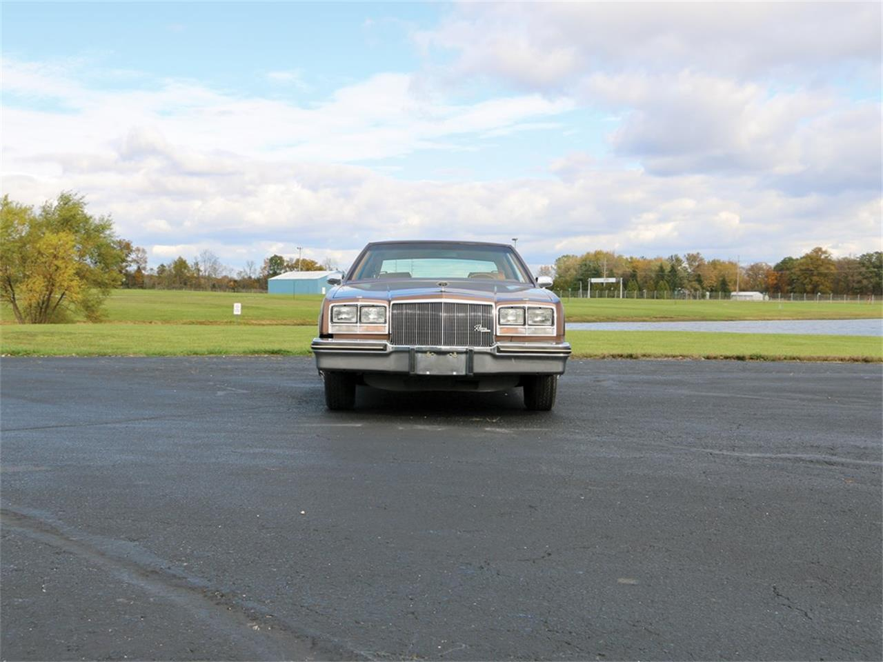 Large Picture of 1979 Riviera located in Auburn Indiana Auction Vehicle - N4W0
