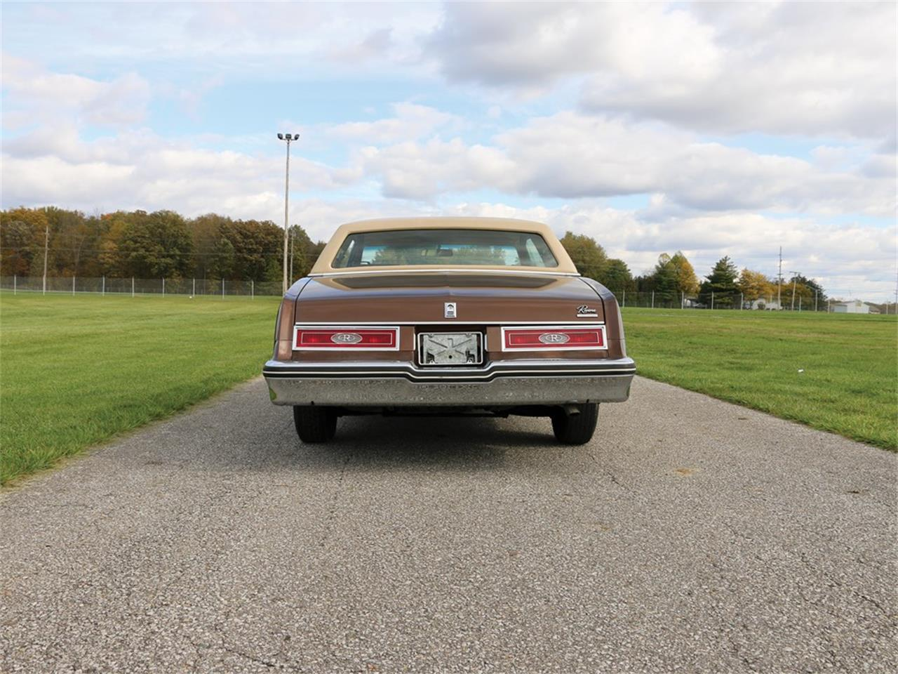 Large Picture of '79 Buick Riviera located in Indiana Auction Vehicle Offered by RM Sotheby's - N4W0