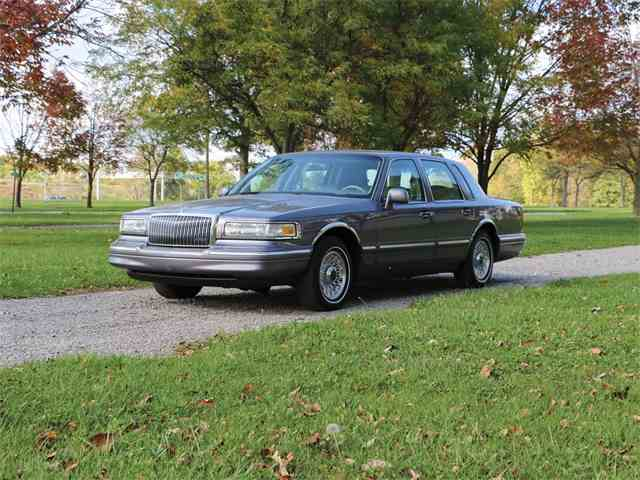 Picture of '96 Town Car - N4W2