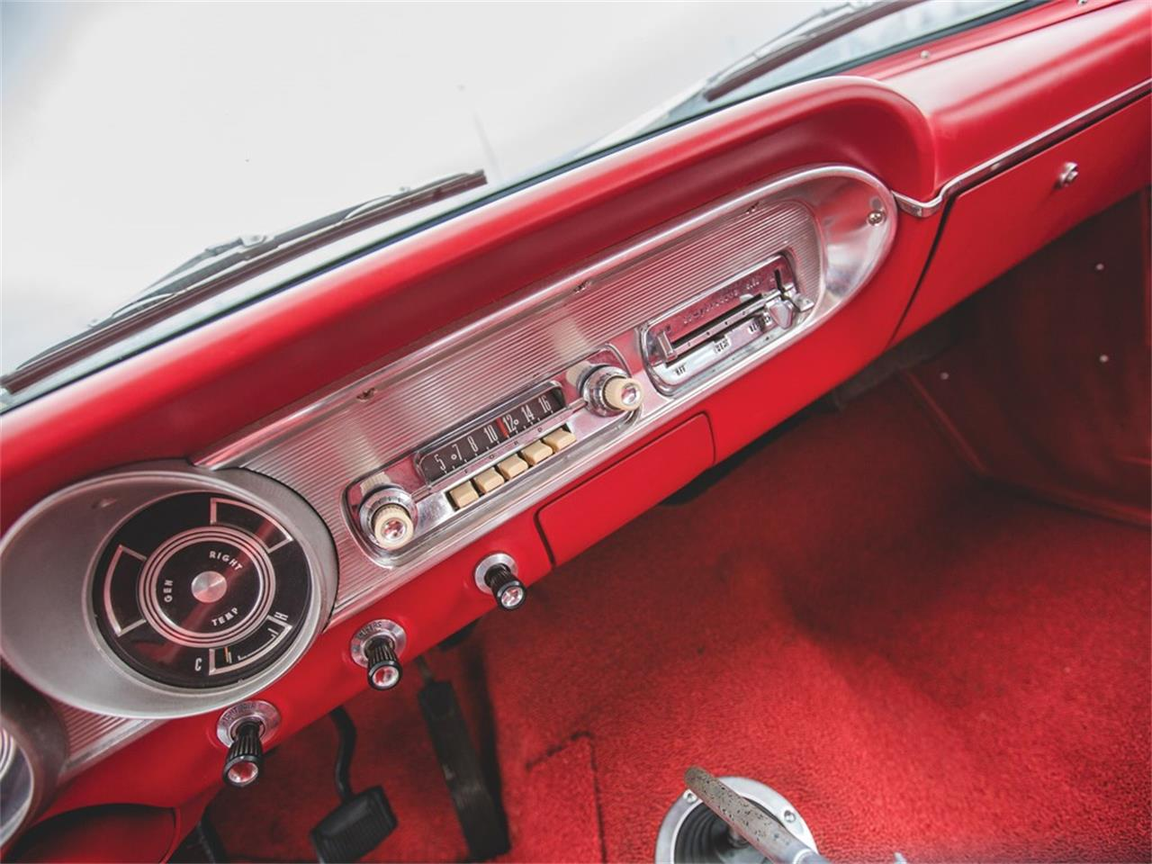 Large Picture of Classic 1963 Ford Fairlane 500 Squire Auction Vehicle - N4WC