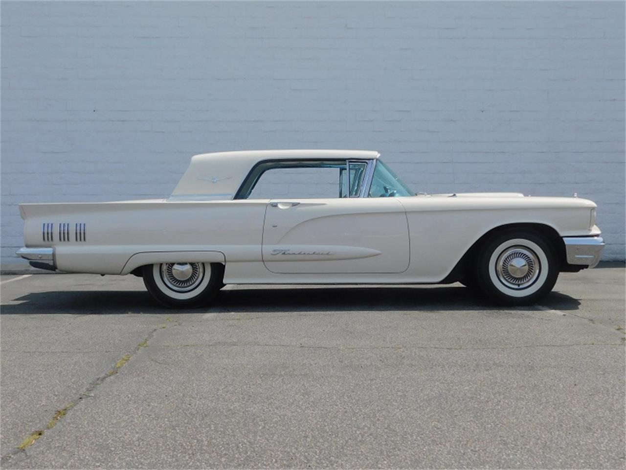 Large Picture of Classic 1960 Ford Thunderbird located in California - N6KI
