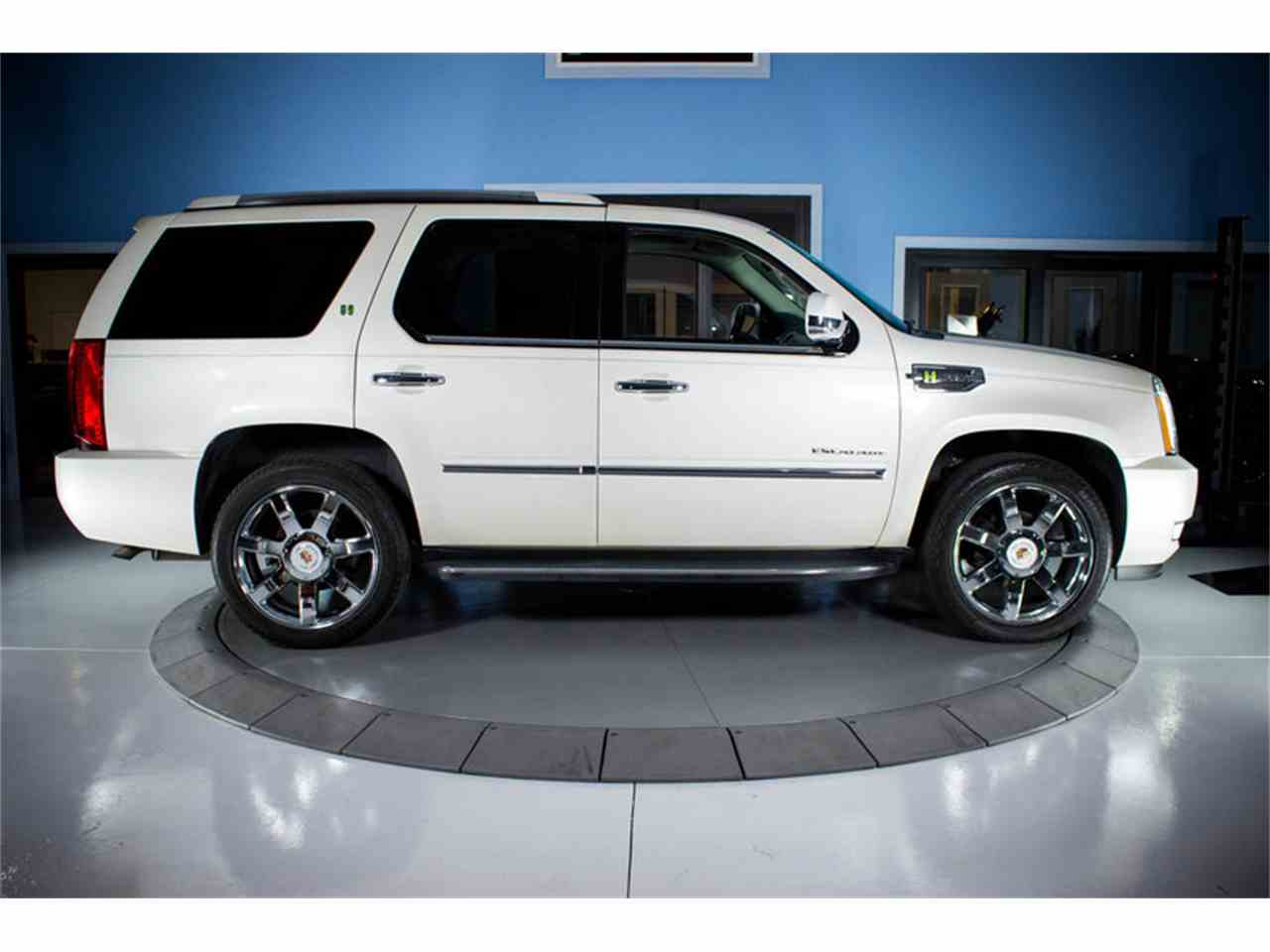 strongauto cadillac photos escalade ext and specs
