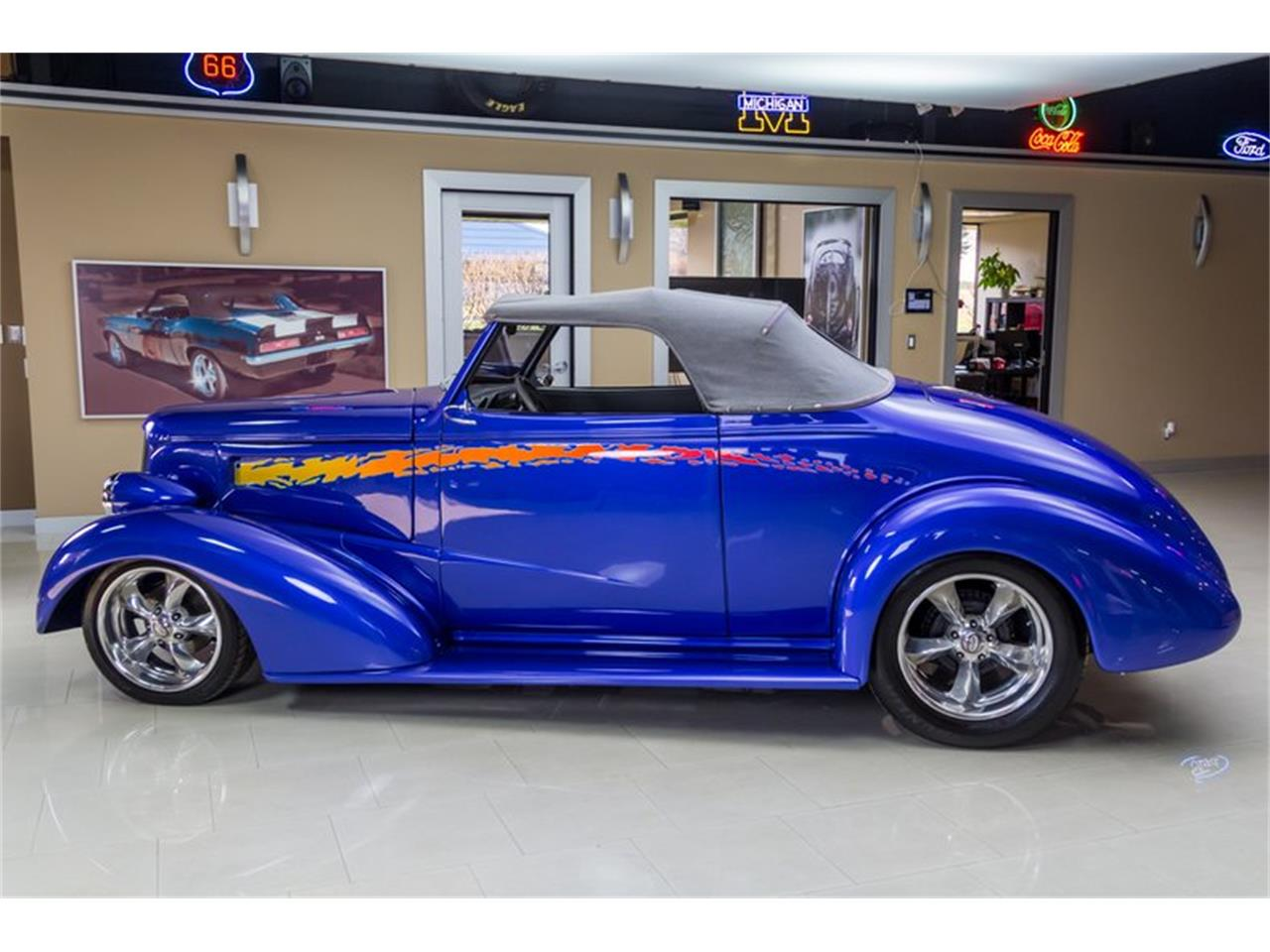 Large Picture of '37 Antique - $49,900.00 Offered by Vanguard Motor Sales - N75T