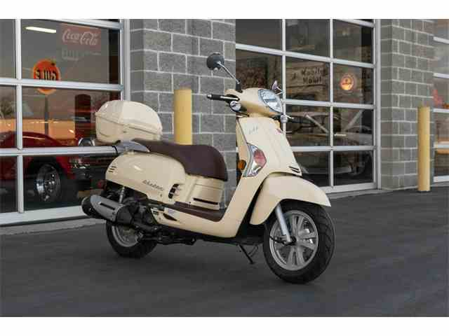 Picture of '12 Scooter - N83M