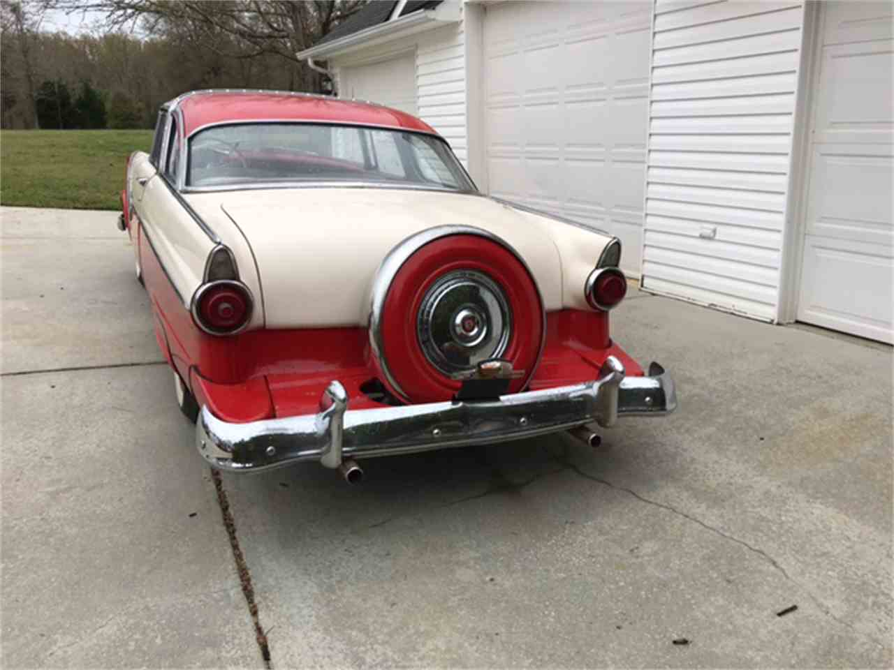 Large Picture of Classic 1955 Crown Victoria located in Massachusetts - N8DU