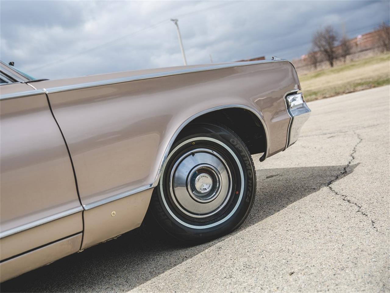 Large Picture of Classic '65 Chrysler 300L Convertible Offered by RM Sotheby's - N8S4