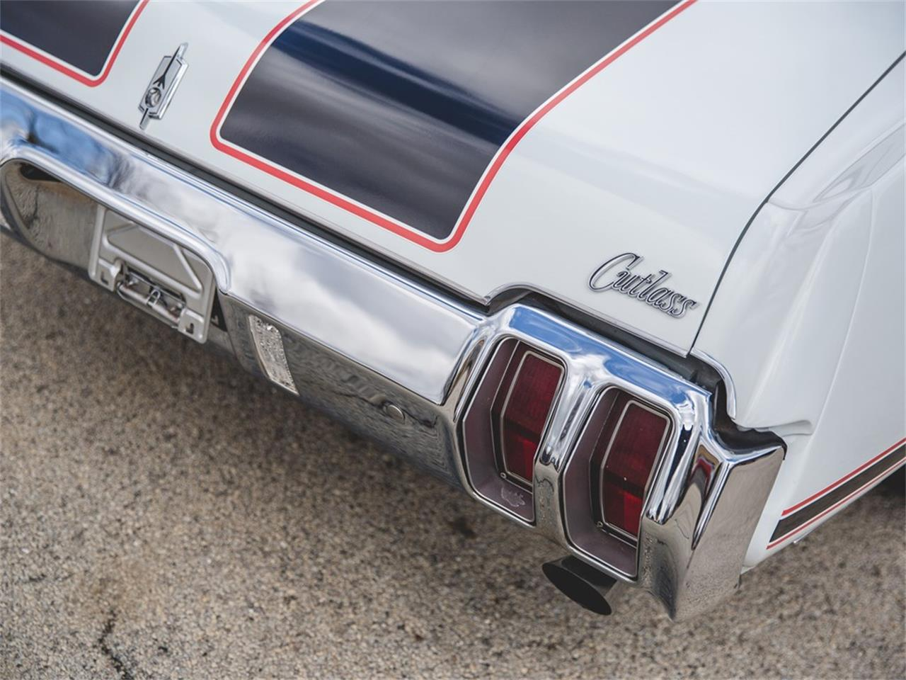 Large Picture of '70 Cutlass Supreme 'Pace Car' Convertible - N8SC