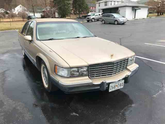 Clic Cadillac Fleetwood Brougham for Sale