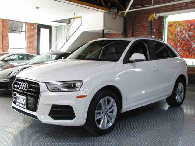 Picture of '17 Audi Q3 located in Hollywood California Offered by  - N9FV