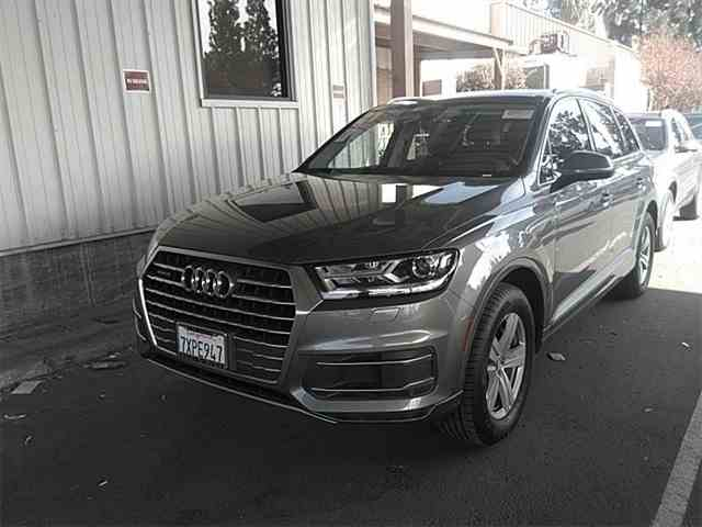 Picture of '17 Q7 - N9G6