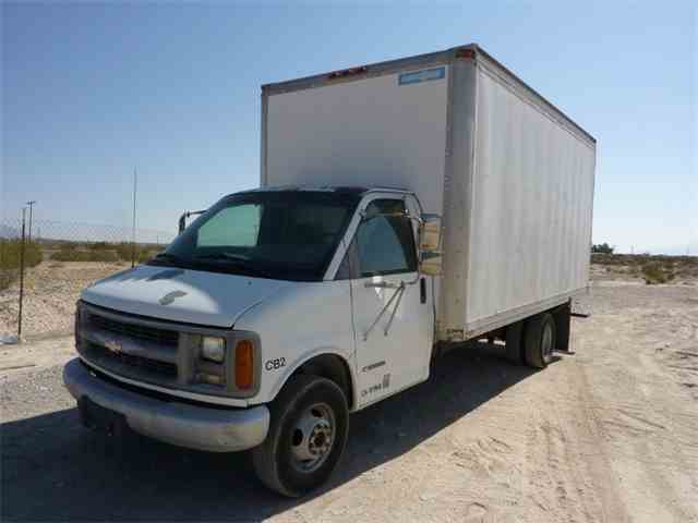 Picture of 2001 Chevrolet Express located in California - N9JJ