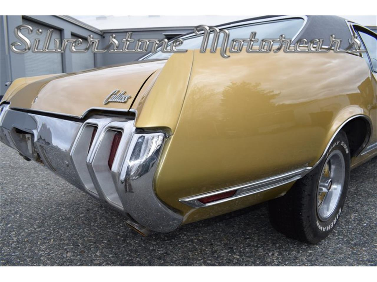 Large Picture of Classic '70 Oldsmobile Cutlass located in Massachusetts Offered by Silverstone Motorcars - NA3C