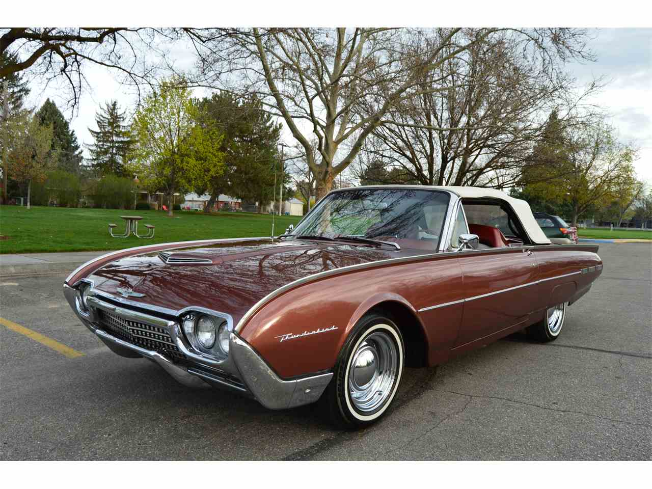 Large Picture of Classic '62 Ford Thunderbird - NAHH