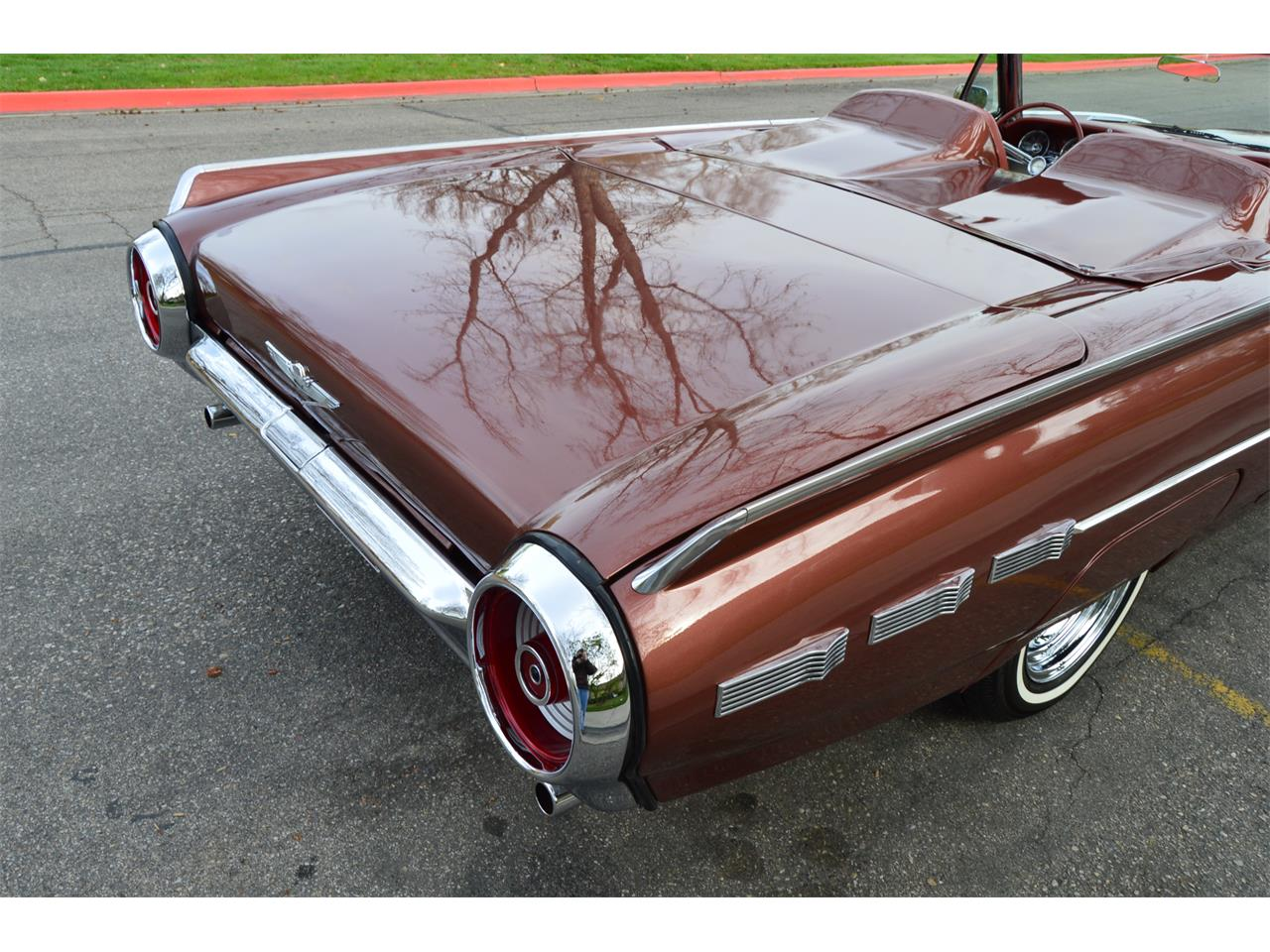 Large Picture of '62 Thunderbird - NAHH