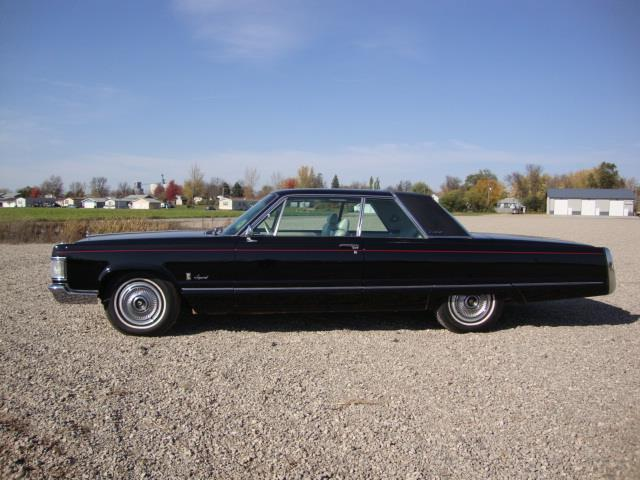 Picture of 1967 Chrysler Imperial located in South Dakota Offered by  - NAHU
