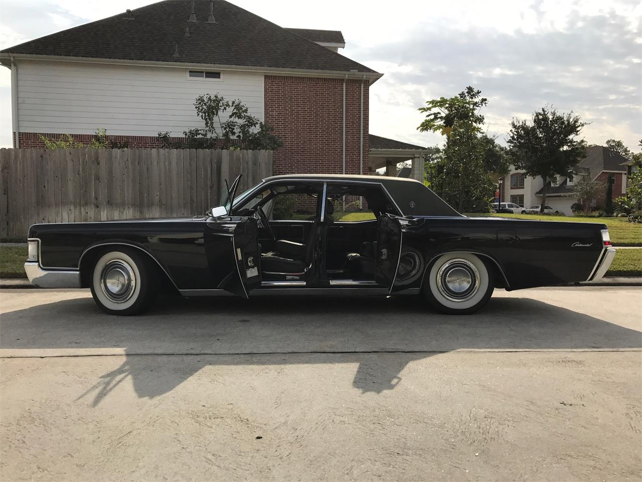 1969 lincoln continental for sale classiccars com cc 1086697large picture of classic \u002769 continental located in pearland texas offered by a private seller