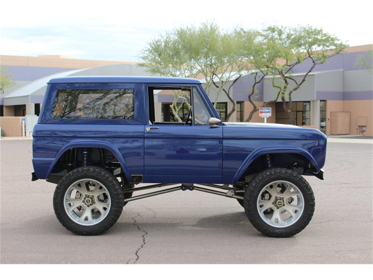 Large Picture of 1974 Ford Bronco located in Missouri Auction Vehicle - NANR