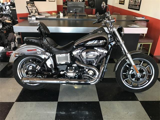 Picture of '16 FXDL - NAV1