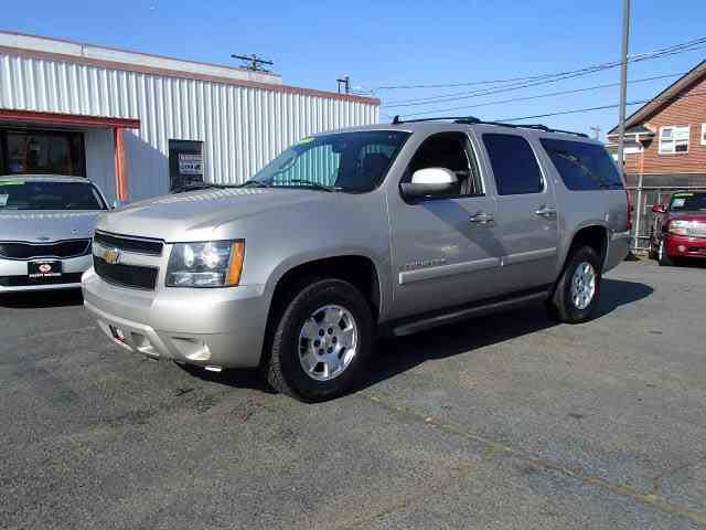 Picture of '08 Chevrolet Suburban located in Tacoma Washington - $12,990.00 - NBNG