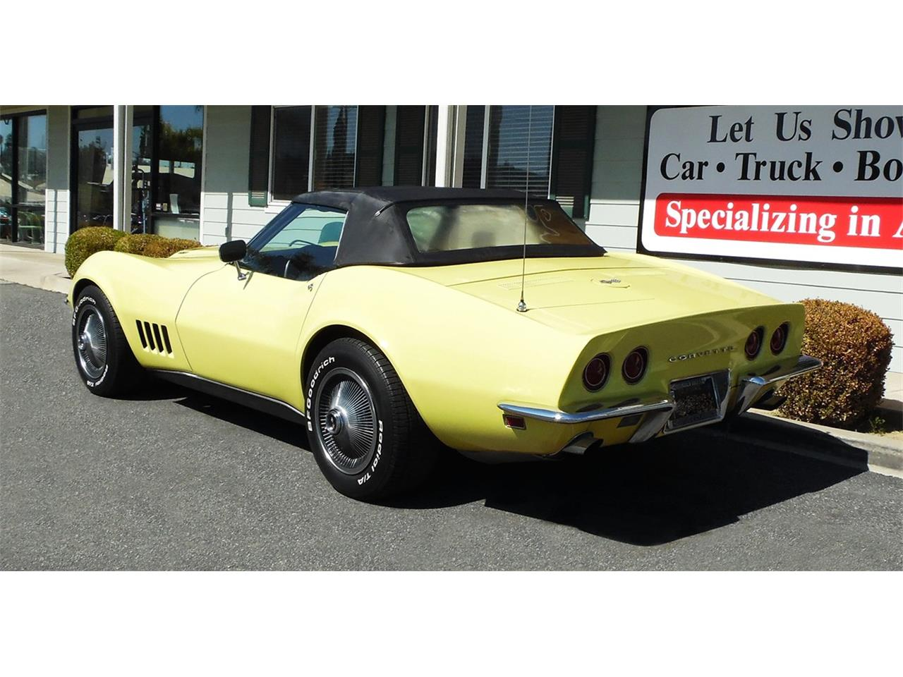 Large Picture of Classic '68 Corvette - N606