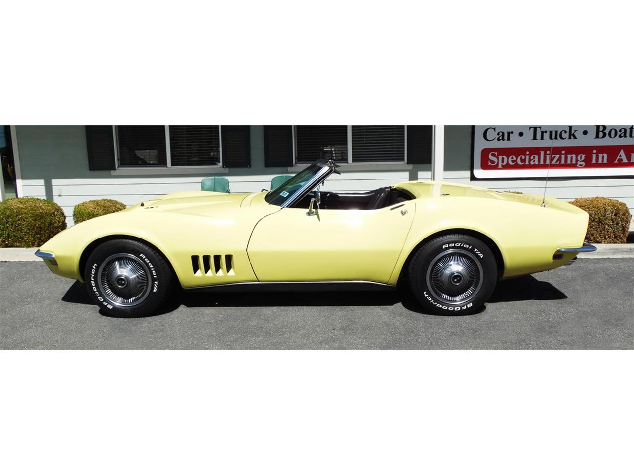 Large Picture of '68 Corvette - N606