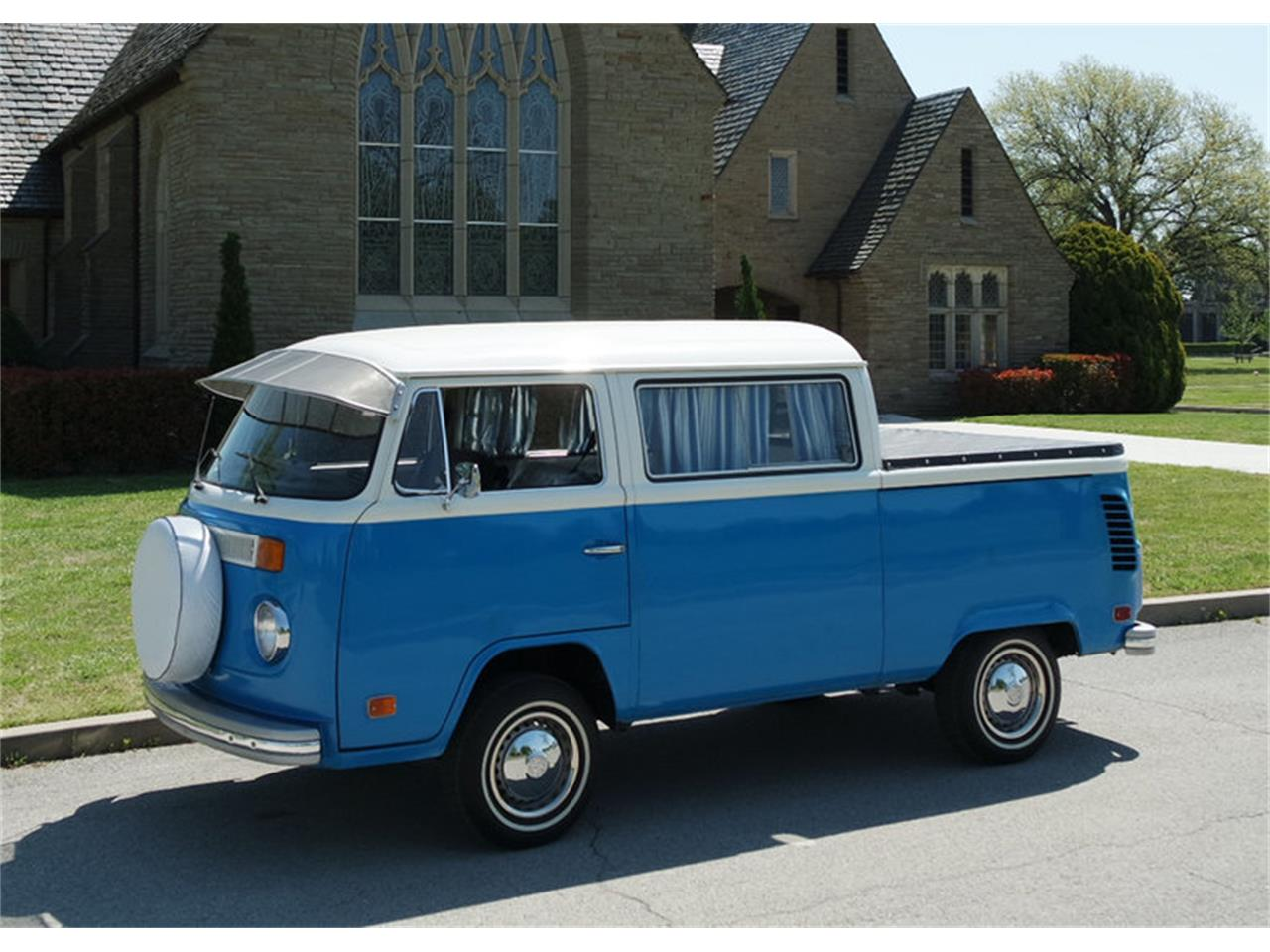 Large Picture of '74 Transporter - NC7K