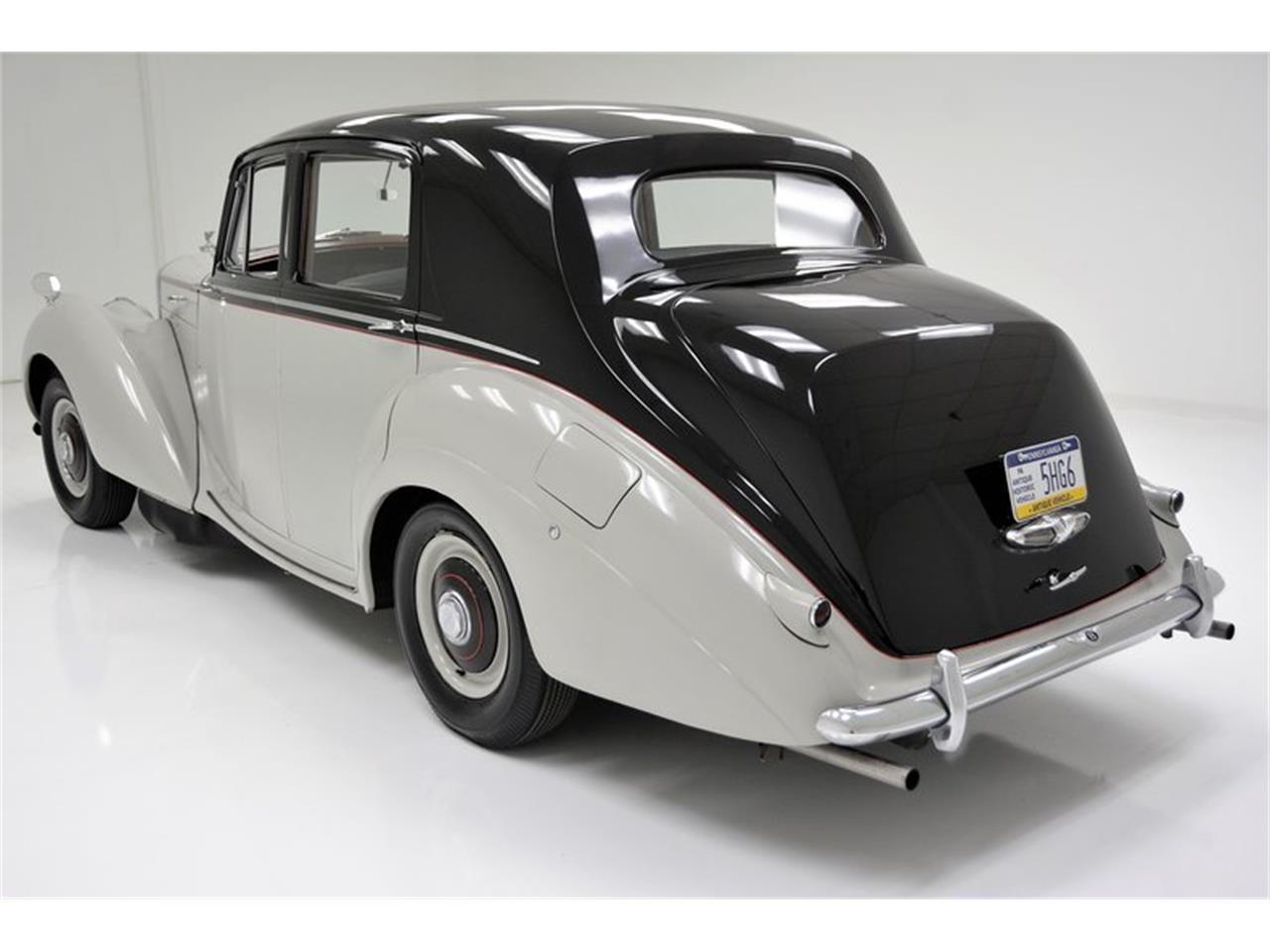 Large Picture of '53 R Type - NCDU