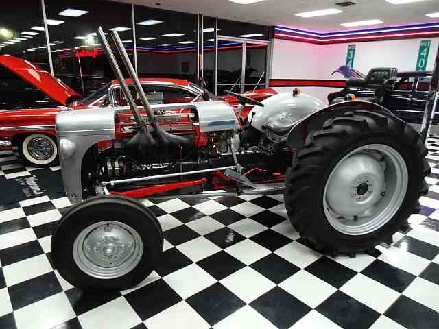 Picture of '53 Tractor - NCHX