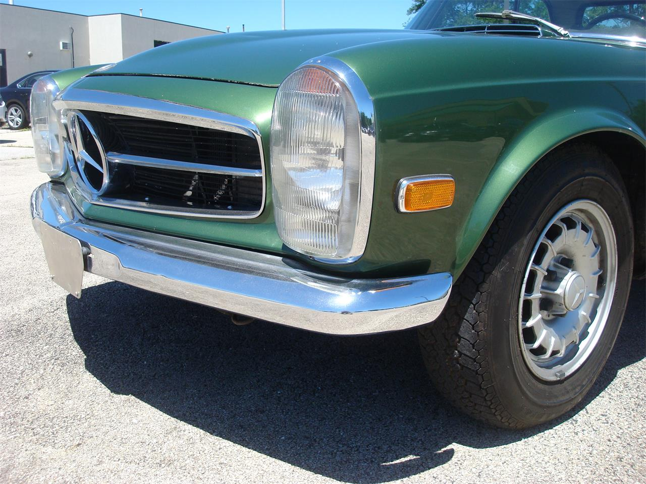 Large Picture of Classic 1969 Mercedes-Benz 280SL located in naperville Illinois - $105,000.00 - NCRY