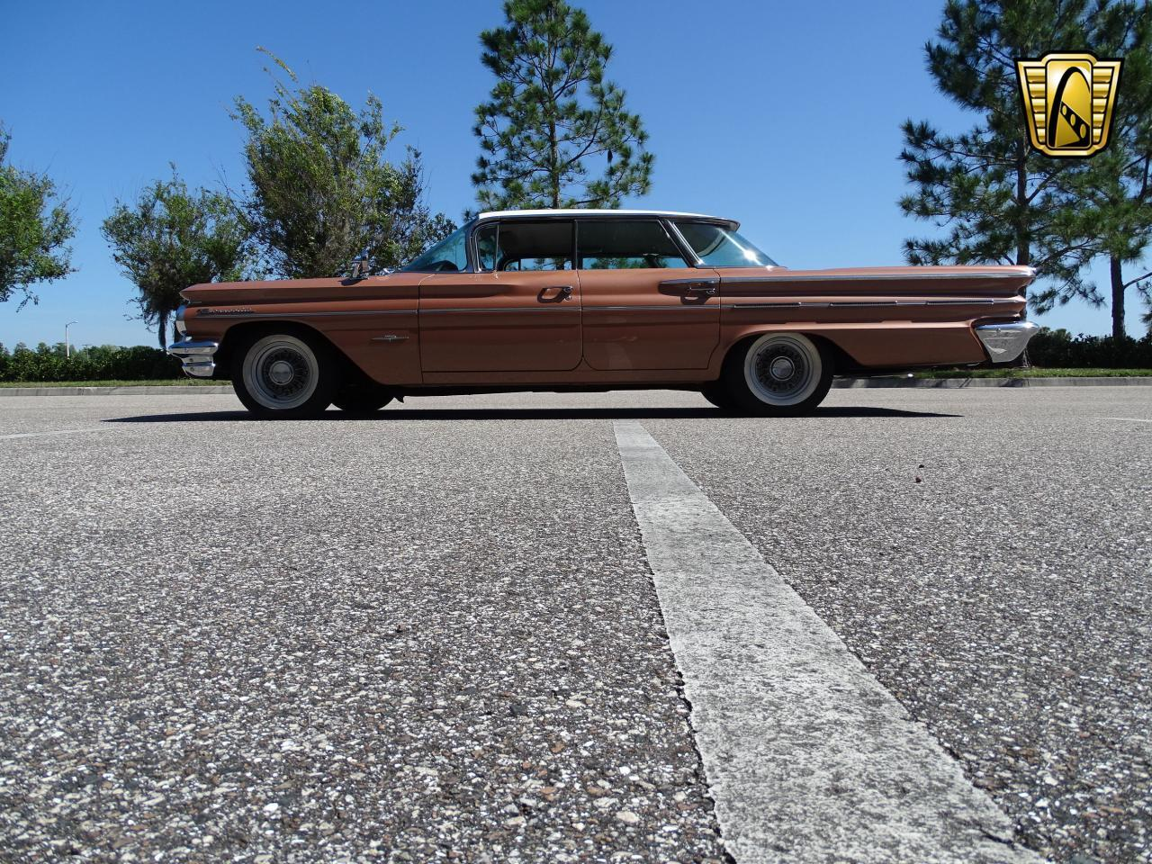 Large Picture of Classic '60 Pontiac Bonneville located in Florida Offered by Gateway Classic Cars - Tampa - NCZ9
