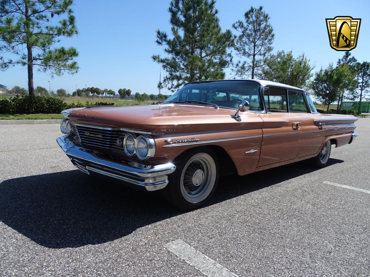 Large Picture of 1960 Pontiac Bonneville located in Florida - NCZ9