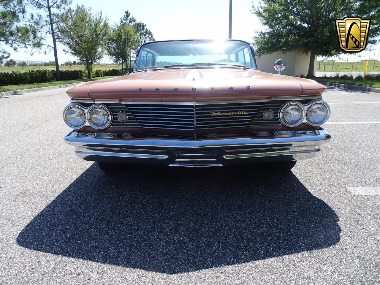 Large Picture of 1960 Pontiac Bonneville - NCZ9