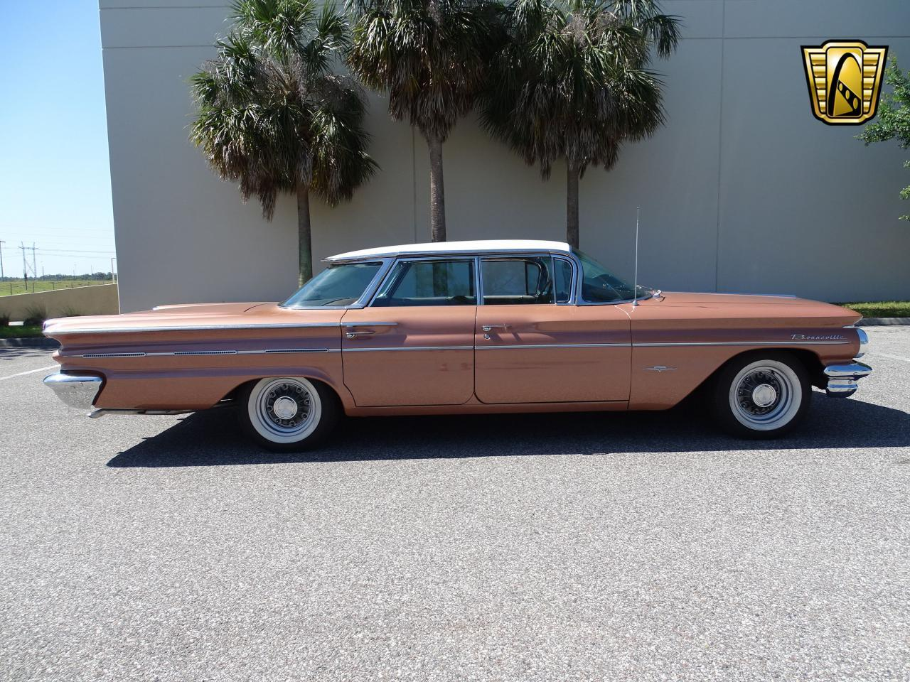 Large Picture of Classic 1960 Pontiac Bonneville - $29,995.00 Offered by Gateway Classic Cars - Tampa - NCZ9