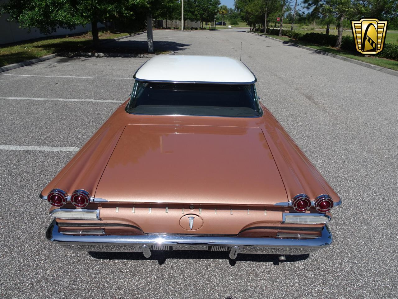 Large Picture of Classic 1960 Pontiac Bonneville located in Florida - NCZ9