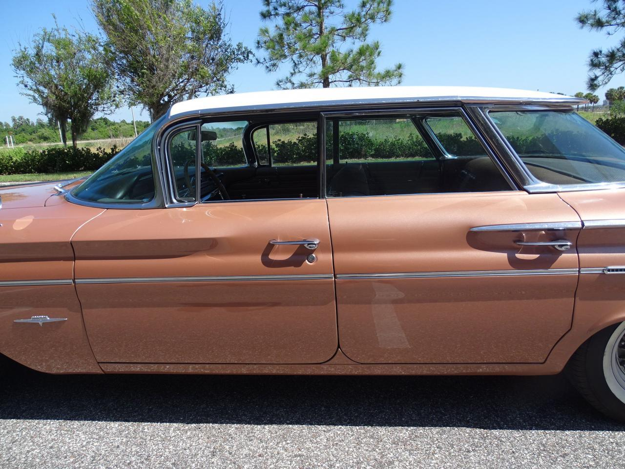 Large Picture of Classic 1960 Pontiac Bonneville located in Florida - $29,995.00 - NCZ9