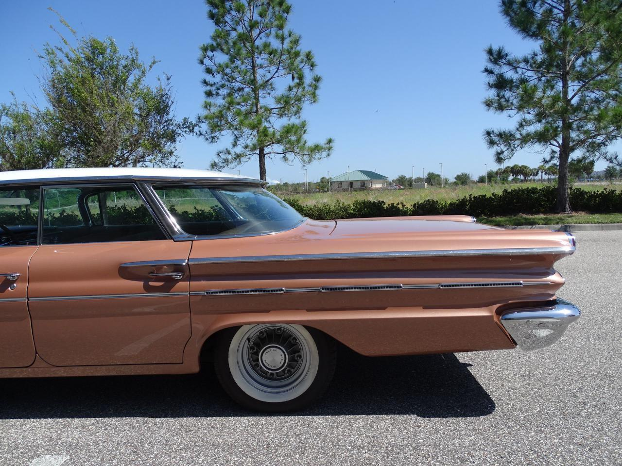 Large Picture of Classic '60 Bonneville located in Ruskin Florida Offered by Gateway Classic Cars - Tampa - NCZ9
