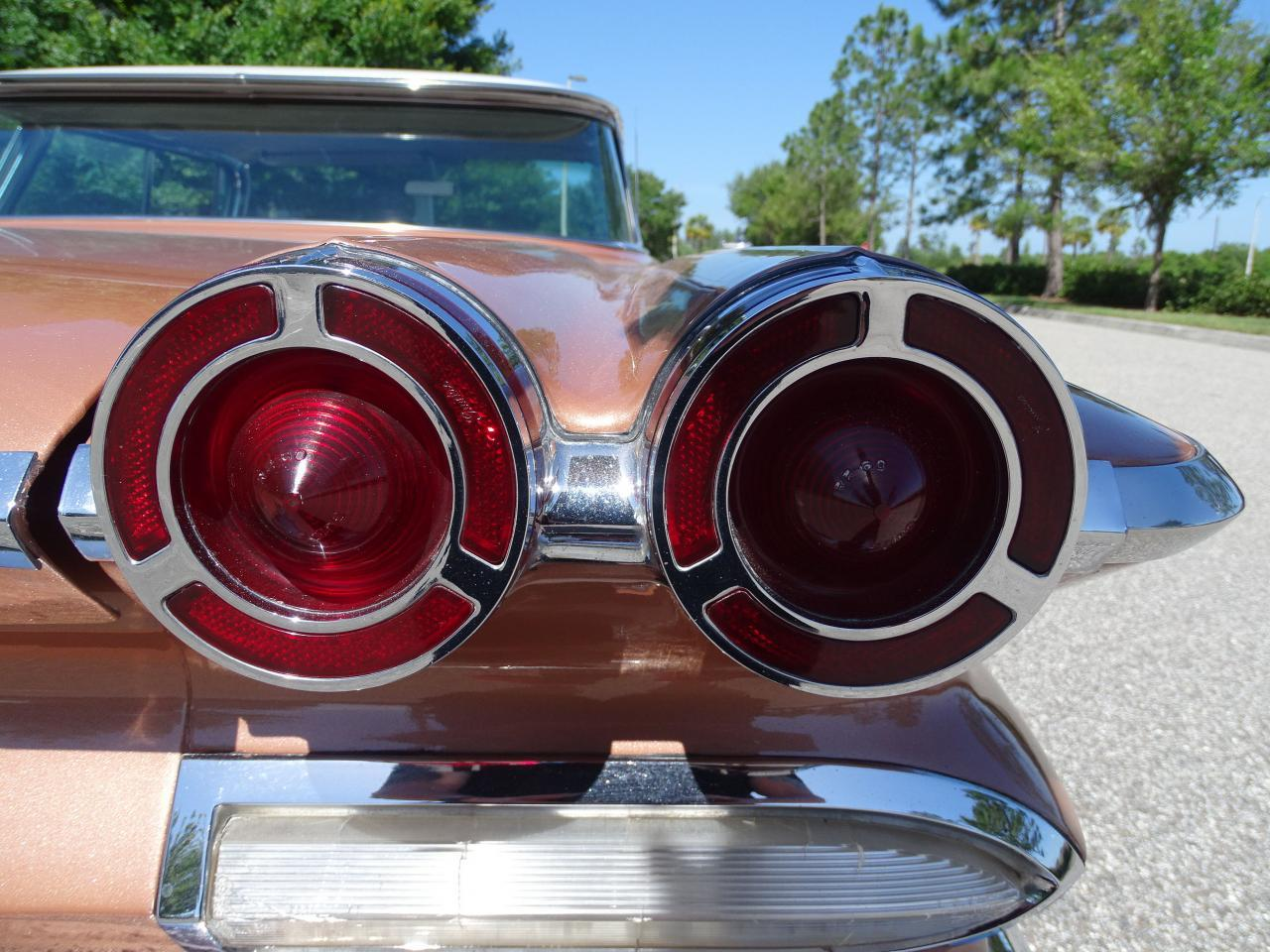 Large Picture of Classic '60 Pontiac Bonneville located in Ruskin Florida - $29,995.00 - NCZ9