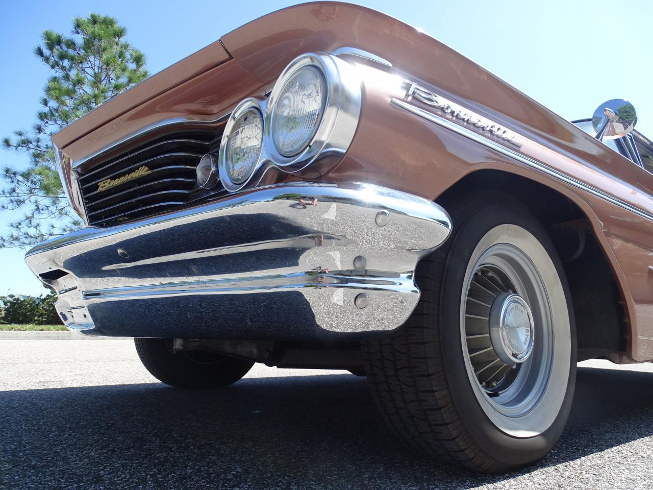 Large Picture of Classic '60 Pontiac Bonneville located in Florida - $29,995.00 Offered by Gateway Classic Cars - Tampa - NCZ9